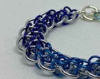 Blue Ombré Dragonsteps Chainmaille Bracelet