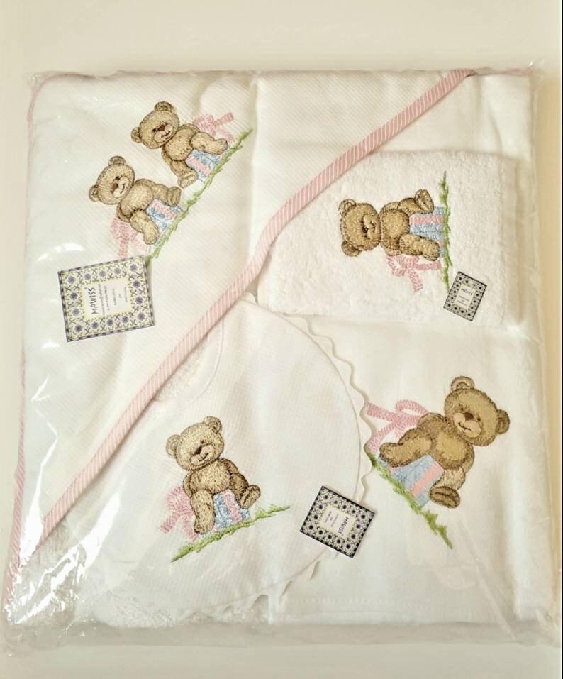 Girl Baby newborn bath gift set Bear Baby bib Swaddle sheet  animal Bath Hoodie blanket Portuguese textile Handmade Baby shower gift