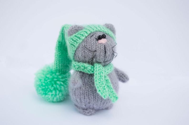 Tiny cat amigurumi, super easy and detailed animal toys, beginner ... | 528x794