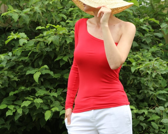 Red top/ Red top for women/ Womens red top /  Sleeveless top / Womens blouse / Asymmetric top / Sleeveles red top / Red tank top