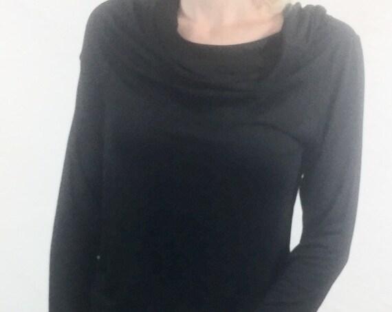 Women top/ White top/ Long sleeve top / Black tops for women/ Turtleneck top