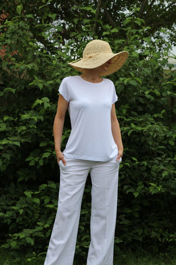 Summer top/ Sleeveles top/ Womes top / White top / White womens top / White blouse for women