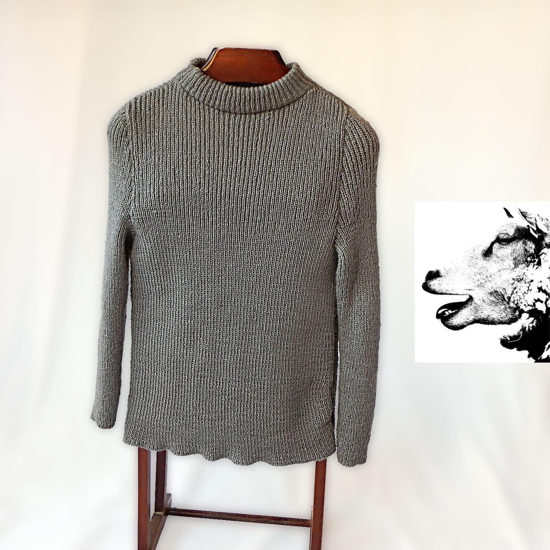 125c1b1ebadb5 Pull homme en pure laine Réalisé peignée style classique. Réalisé laine sur  commande. 886475