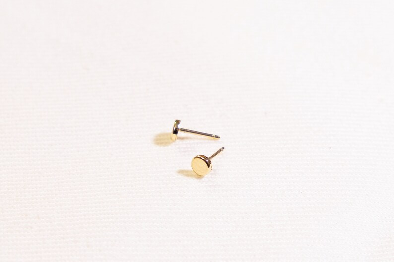 14K Yellow Gold Stud Earrings 14K Gold 4mm Round Studs Chic Minimal Studs Gold Circle Studs Tiny Minimalist Gold Earrings