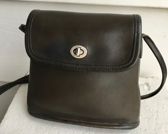COACH Vintage Tango Dark Gray Charcoal Leather Turnlock Sidepack Scooter  Shoulder Crossbody Bag 9049 3f85d7c66b115