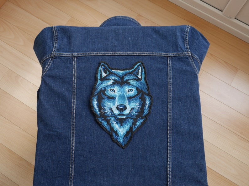 Wolf Iron on sew on embroidery patch