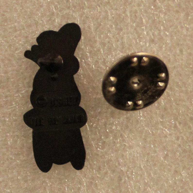 1 x 0.4 1990s Walt Disney GOOFY blue hat lapel pin 2.5 x 1 cm Mickey Mouse