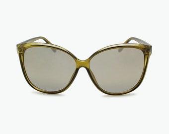 4883651ecd8 Gleaming Cat Eye Sunglasses Designer Sunglasses Funky Eyewear Vintage  Sunglasses for Women Fashion Sunglasses