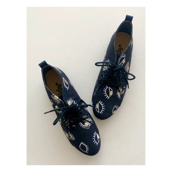 Canvas shoes with evil eye embroidery