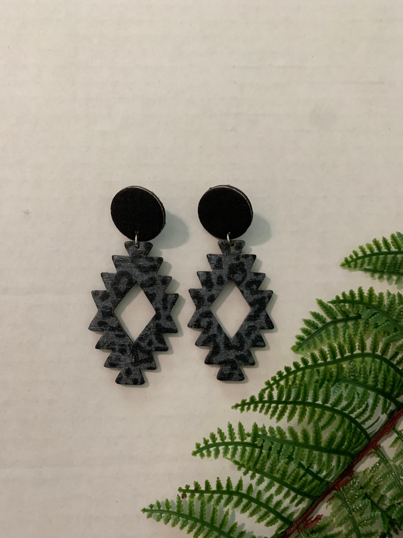 Black and gray leopard cork on leather Aztec tribal with a black cork on leather stud earring