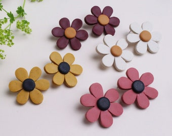 NEW - Flower Daisy Earrings in 4 different colours to choose from // Handmade Polymer Clay Jewellery