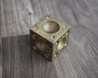 100% Quality Brass Jewelry Die Mold Cube Hand Engraved Collectible Rare Die Antiques Asian Antiques