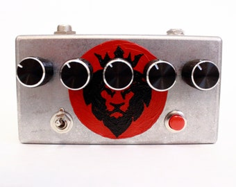 Dub Siren in metal box hand painted Lion