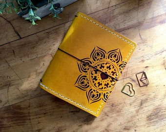 Leather Travelers Notebook with Pockets, Mandala, Travelers Journal, Handmade Travelers Notebook, Bullet Journal, Travelers Notebook, TN