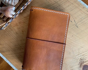 Leather Travelers Notebook with Pockets, Travelers Journal, Handmade Travelers Notebook, Bullet Journal, Handmade Leather Travelers Notebook