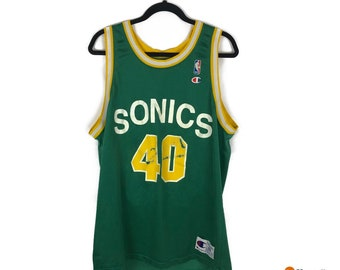 0cc7fc2bee6 VTG Shawn Kemp Seattle Supersonics Champion Jersey Nba   Screenprint  Vintage Basketball   Mens Size 48   Streetwear Fashion 90s