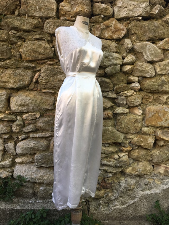 Satin vintage french lingerie negligee