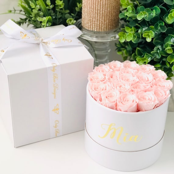 Roses in a Box Mini Preserved Roses in a Round Box