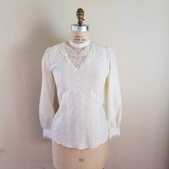8 Victorian 80s high neck blouse  beige