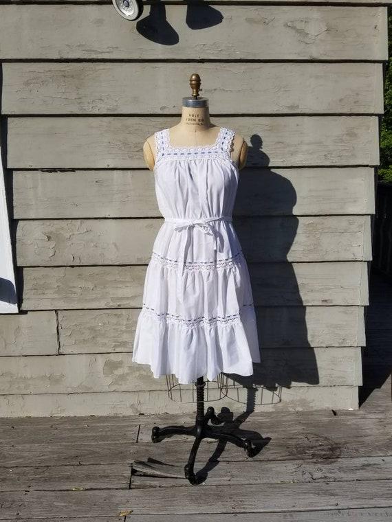 70s boho sun dress, white cotton sleeveless, lace,
