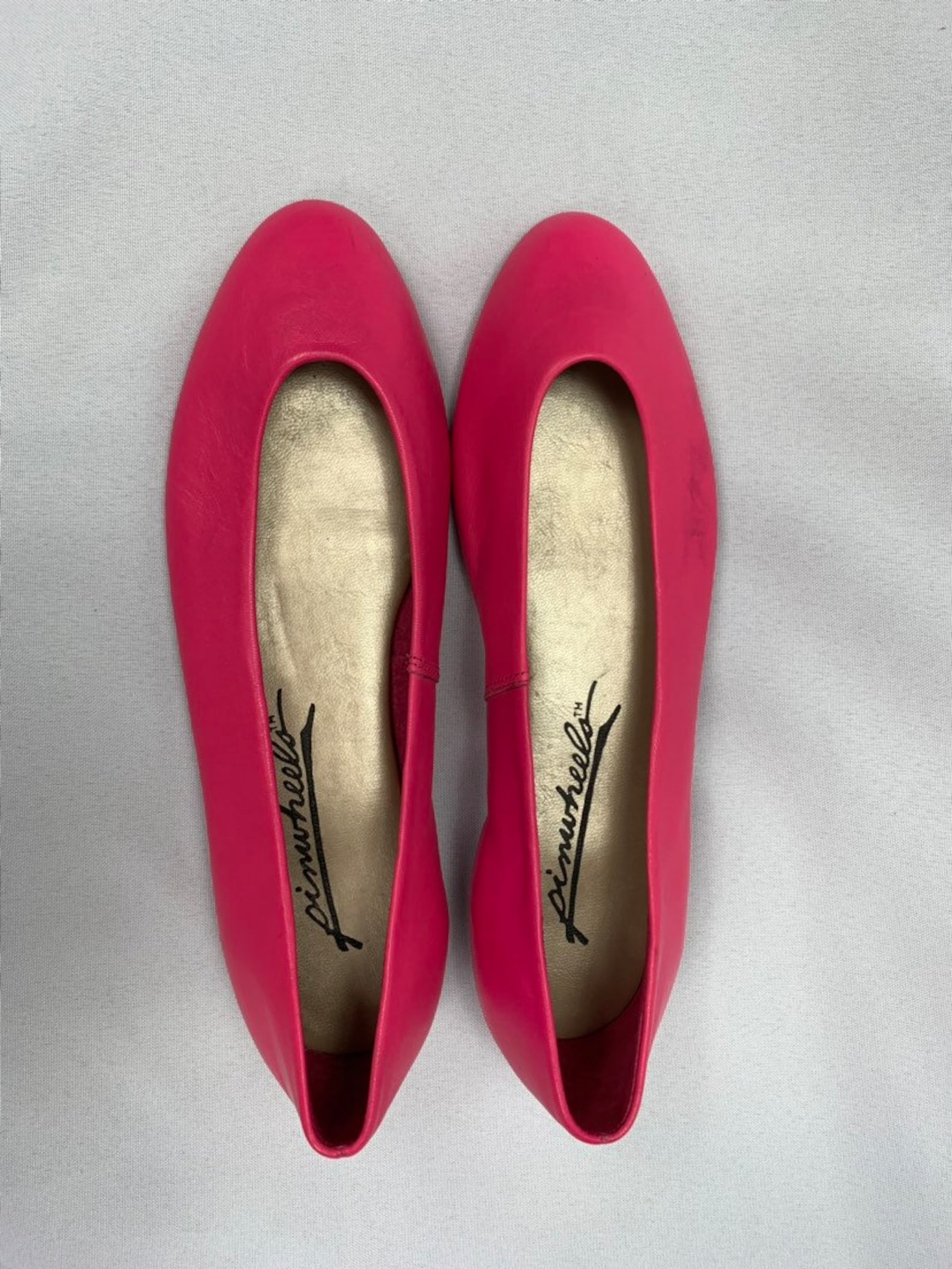 80s neon pink leather ballet flats by pinwheels, slip on flats, fuschia, bright pink, hot pink, 80s party shoes, retro, vintage