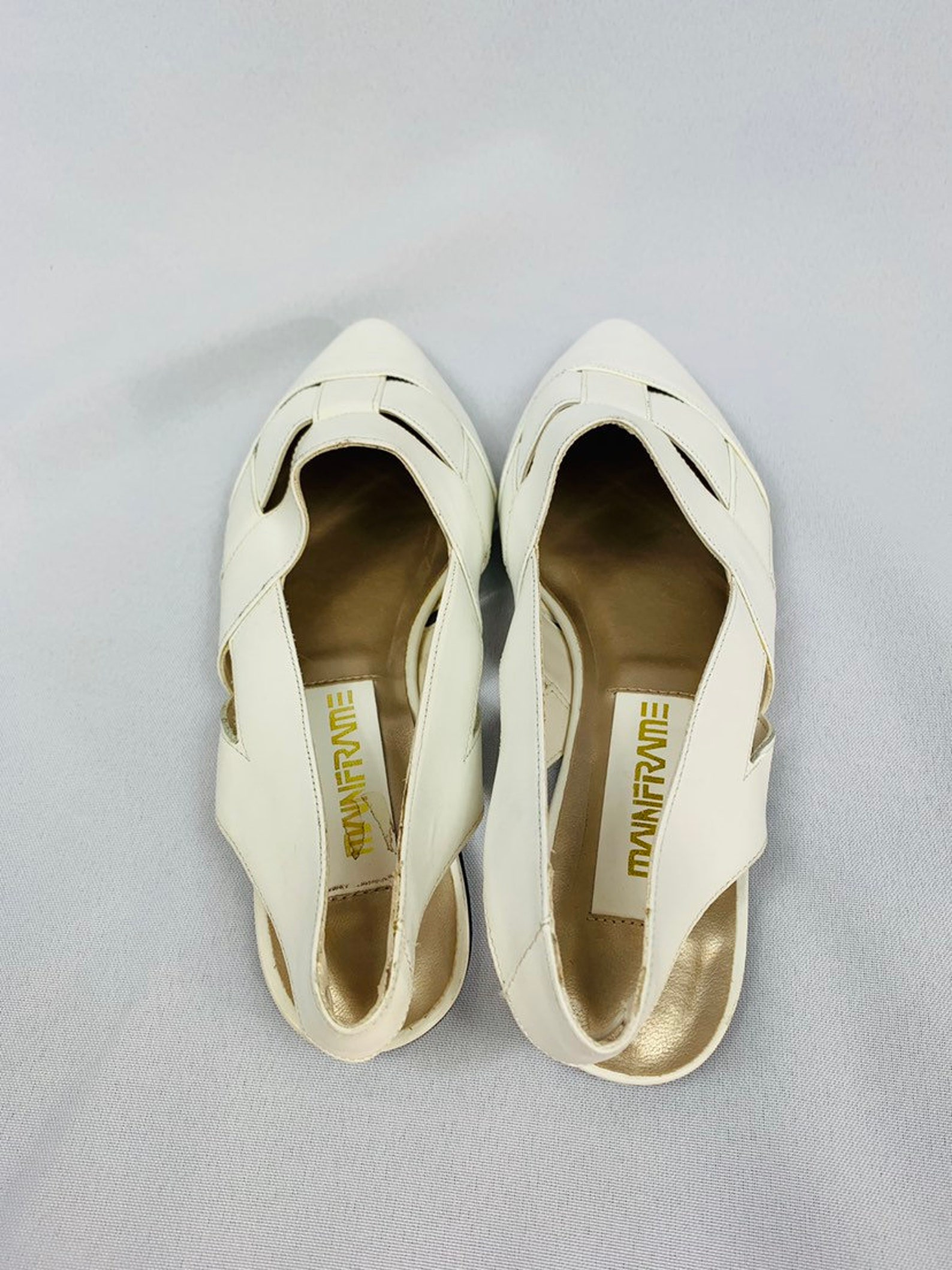 80s white pointed toe slingback flats by mainframe, white strappy cut out flats, vintage ballet flats, new old stock, deadstock,
