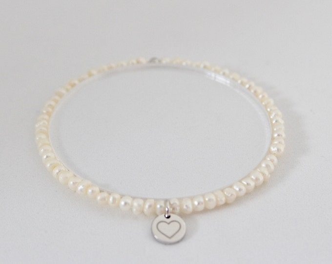 Cultured pearls and 9 kt white gold bracelet