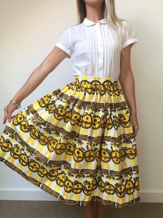 1950s Novelty Print Skirt - image 9