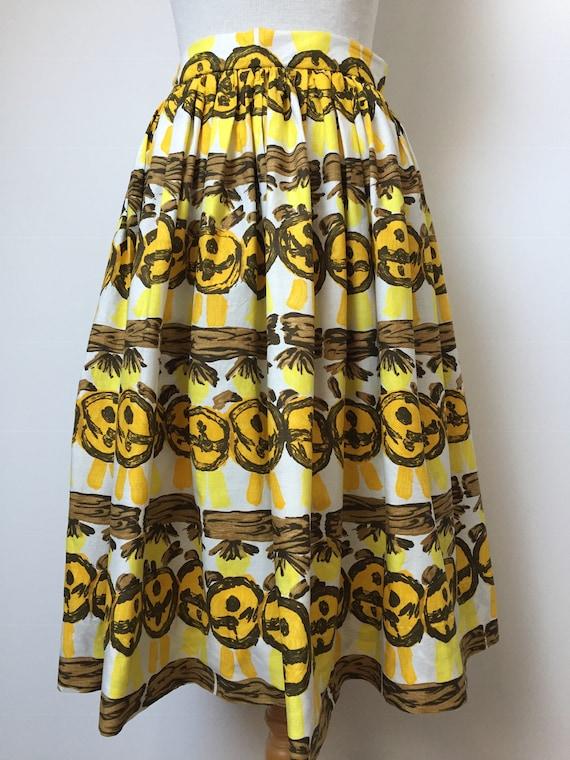 1950s Novelty Print Skirt - image 5