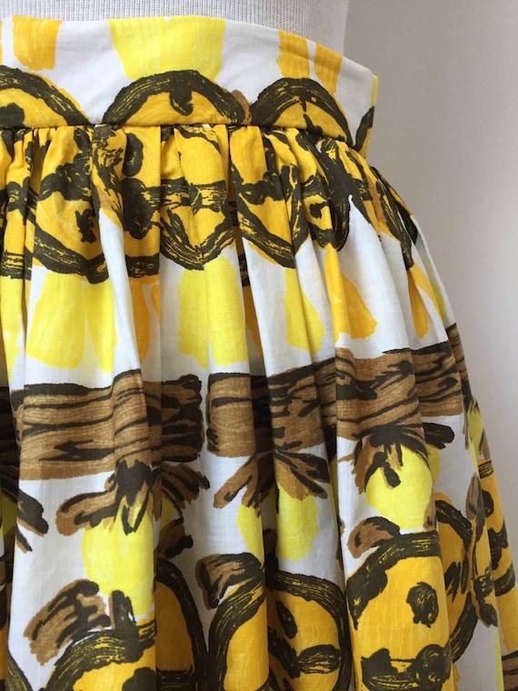 1950s Novelty Print Skirt - image 8