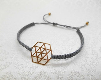 Friendship ribbon, macrame, bracelet with geometric connector in gold-plated sterling silver and sliding knots