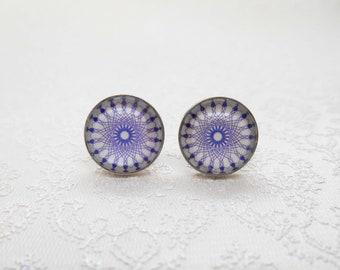 """Cabochon stud earrings in sterling silver (10 mm): motif """"blue purple mandala"""""""