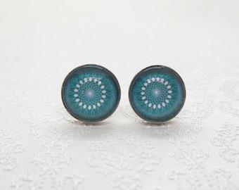 """Cabochon stud earrings in sterling silver (10 mm): motif """"green mandala"""""""