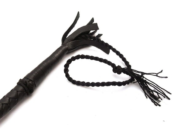 Hand Made Quality Genuine Leather Bull whip//Leather Flogger// Leather Whip.