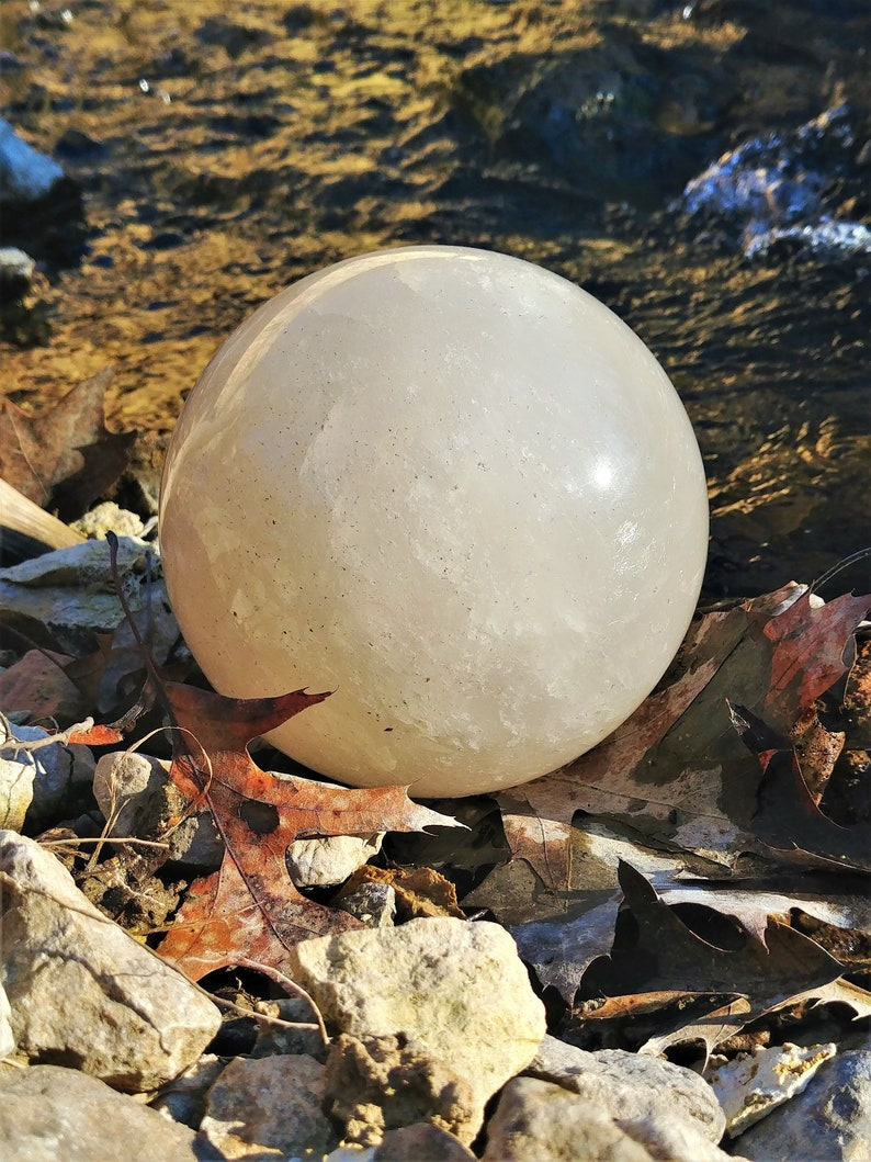 Large Quartz Crystal Ball - Divination Gazing Sphere - Witches Scrying Orb  - Crown Chakra Reiki Meditation Crystals - Wiccan Altar Tool