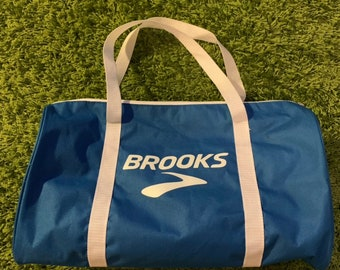 2a08aef208 80s vintage Brooks gym bag. School bag vintage handbag travel bag