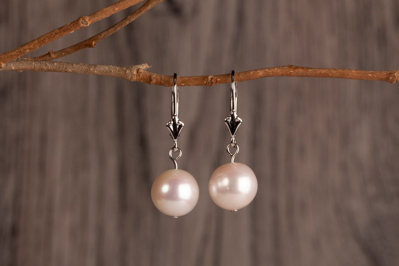 Freshwater Pearl Earrings 10mm Pearl Pendant Earrings June image 0