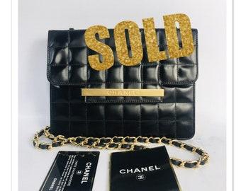 5f36da219b2282 VINTAGE CHANEL Classic Flap BLACK quilted chocolate bar Leather CrossBody  Bag Purse