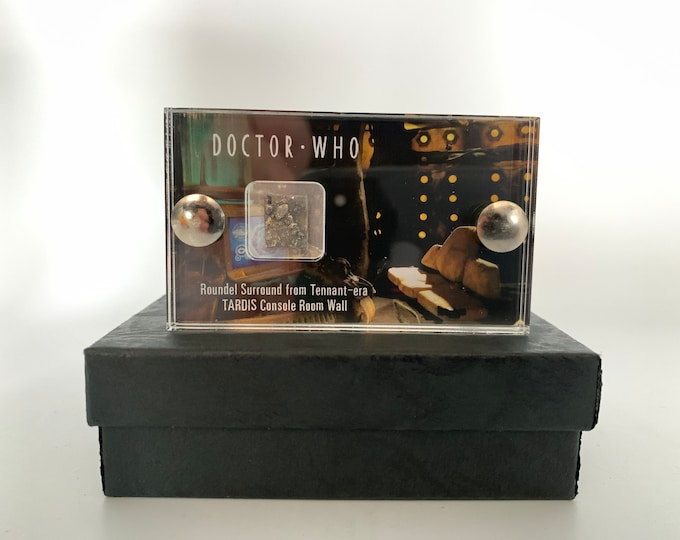 Mini Display - Doctor Who Tardis Roundel Surround from Tardis Console Room Wall