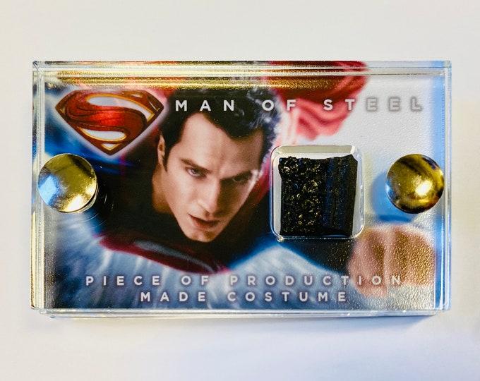 Mini Display - Superman Man of Steel Costume Piece