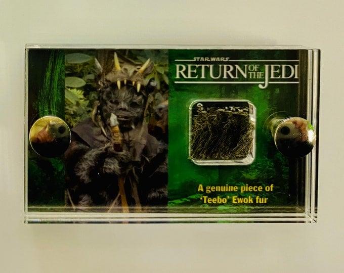 Mini Display - Star Wars - Return of the Jedi - Teebo Ewok fur swatch