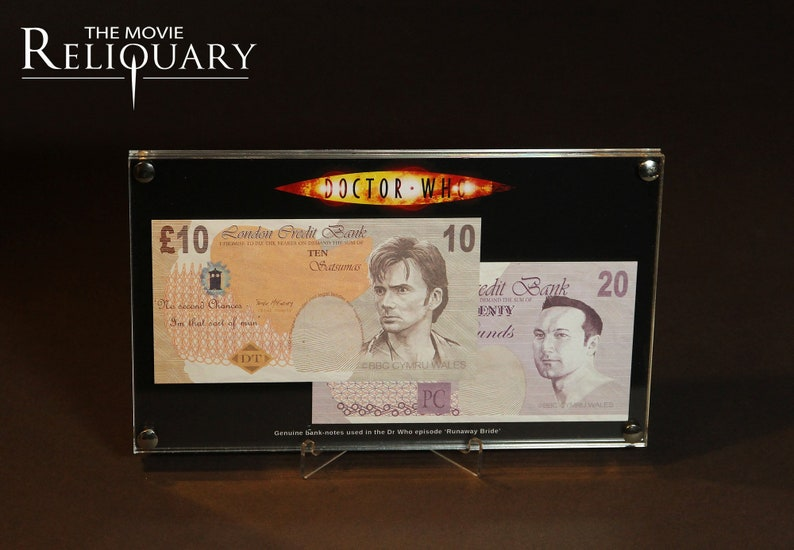 Dr Doctor Who  Production bank notes display props image 0