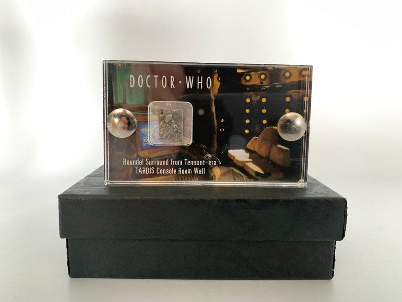 Mini Display  Doctor Who Tardis Roundel Surround from Tardis image 0