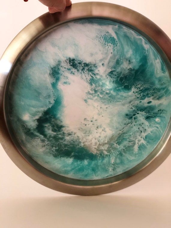 Hand Painted Resin Stainless Steel Two-Tone Round Serving Tray  Green ans White