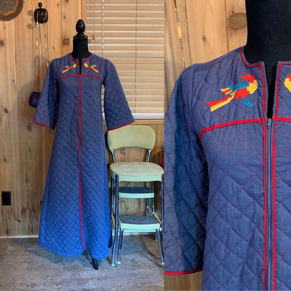70s  Lisanne Junior Quilted Robe / Housecoat with