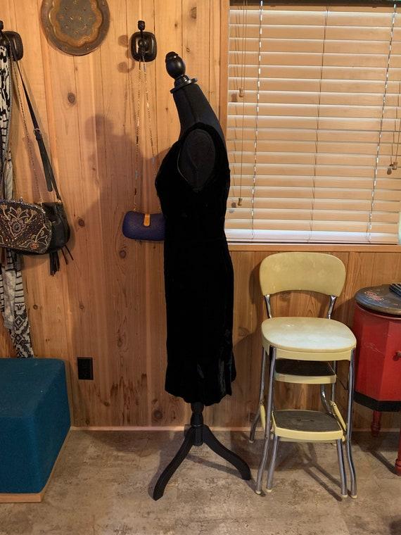 1950s Velvet Little Black Dress - image 3