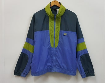 e5fdd241d83d Vintage NIKE nice multicolour design windbraker jacket made in Taiwan
