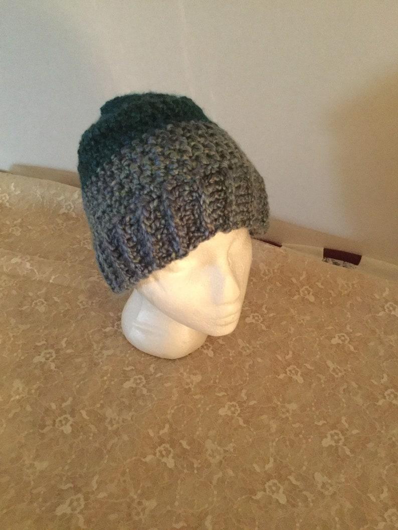 Crochet hat  small women/'s or teen size
