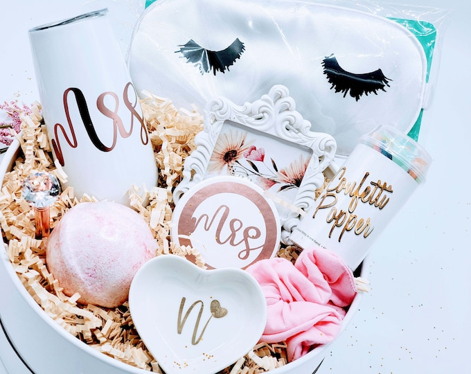 Bride Box | Engagement Gift for Bride | Future Mrs. Wedding Gift | Here Comes The Bride | Gift for Bride | Bridal Shower Gift - Gift BG01