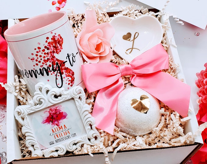 Expecting Mom Gift, Pregnancy Gift Box, Baby Shower Gift, Mom To Be Gift Set, Gift Box for New Mom, Pregnancy Gift Basket - MTGB12